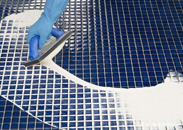 摩高水性环氧彩砂填缝剂施工